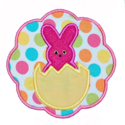 Peep in and Egg Scallop Circle Applique Design-